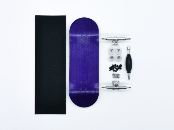 Product picture of purple wooden fingerboard complete