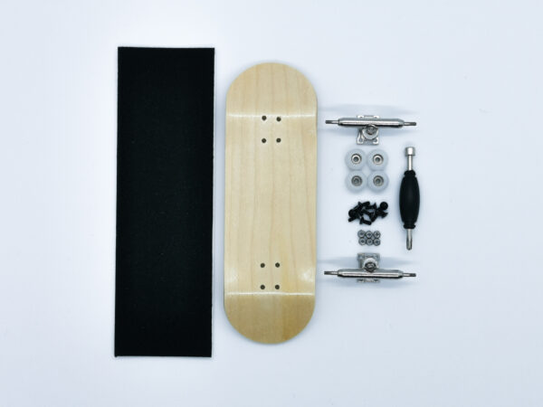 Product picture of wooden fingerboard complete