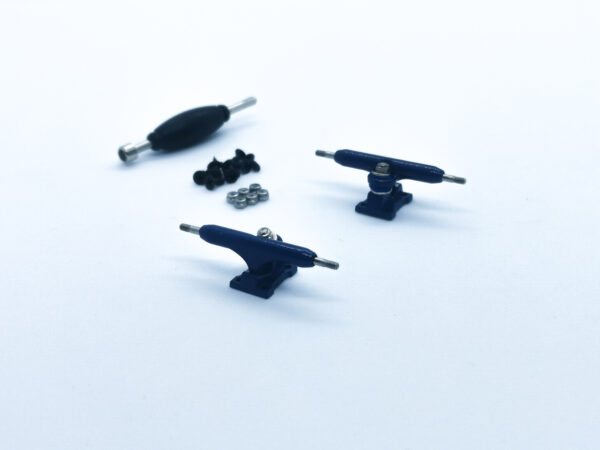 product picture of blue fingerboard trucks 32mm